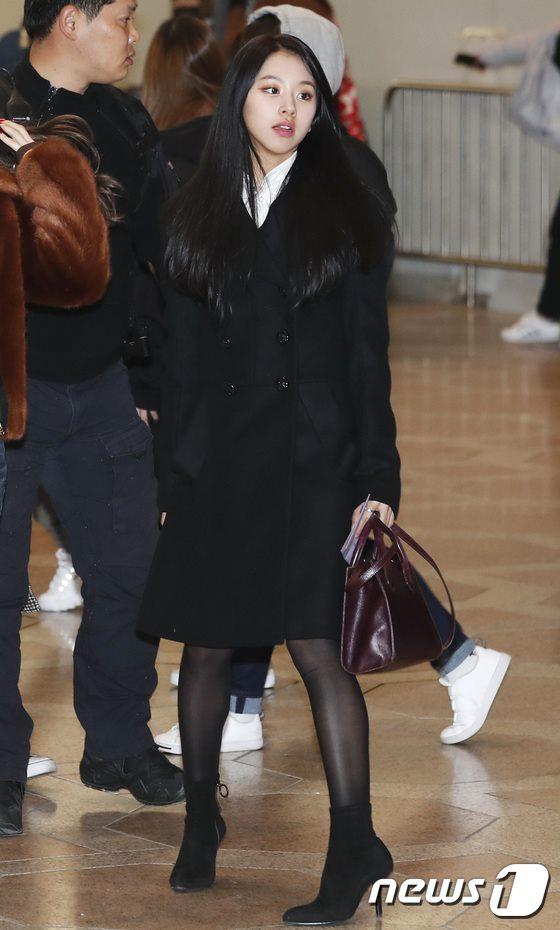 空港ファッションTWICEチェヨン